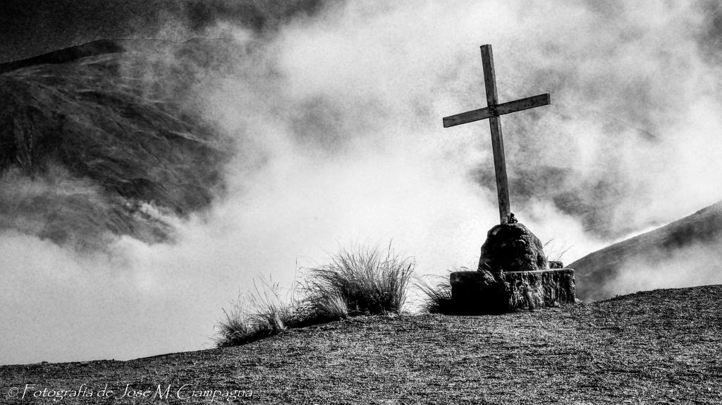 Cruz en los cielos