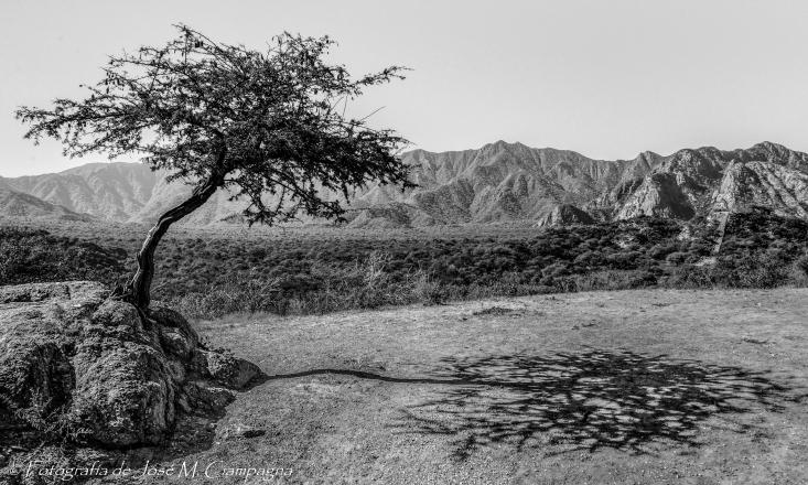 Cumbre de la pirámide de la luna, Ruinas de Shincal , Catamarca