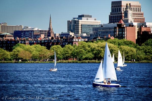 Veleros en el río Charles, Boston