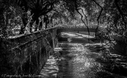 La cañada en blanco y negro, ciudad de Córdoba, Córdoba, argentina