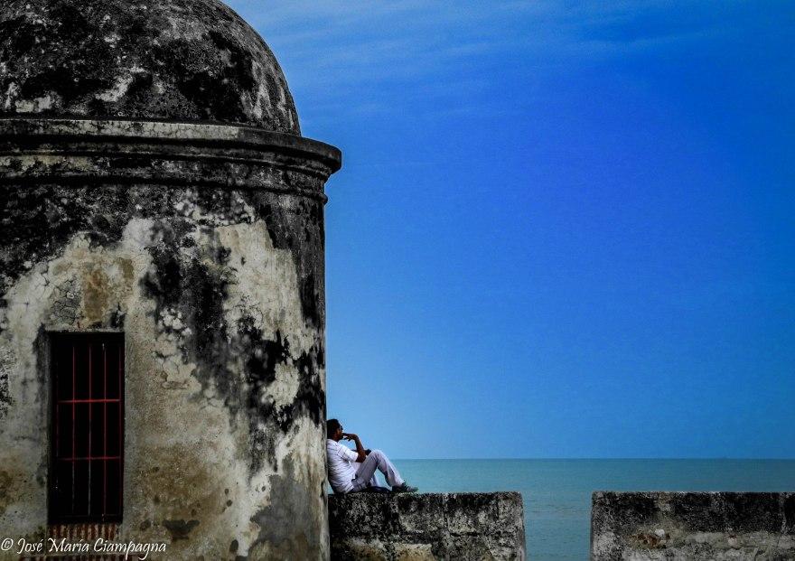 Mirando al mar, Cartagena, Colombia