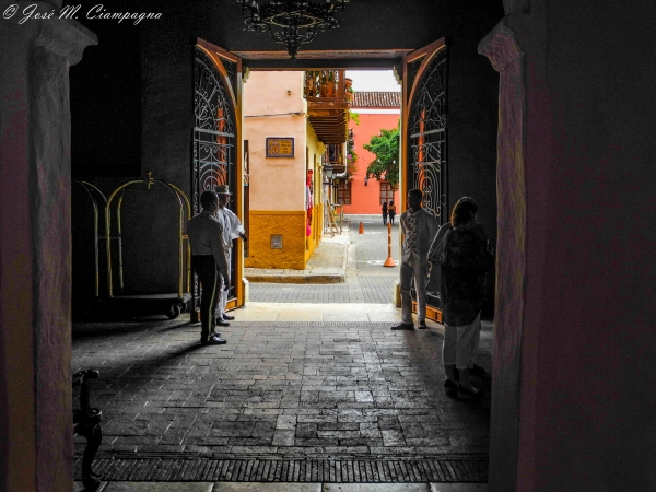 Entrada Hotel San Miguel