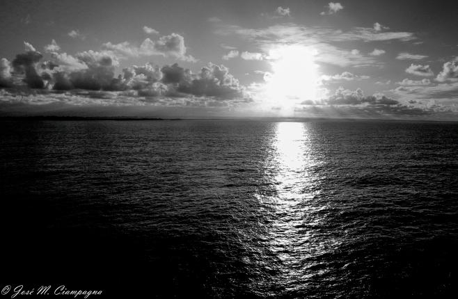 Se fué el día, pero seguimos navegando