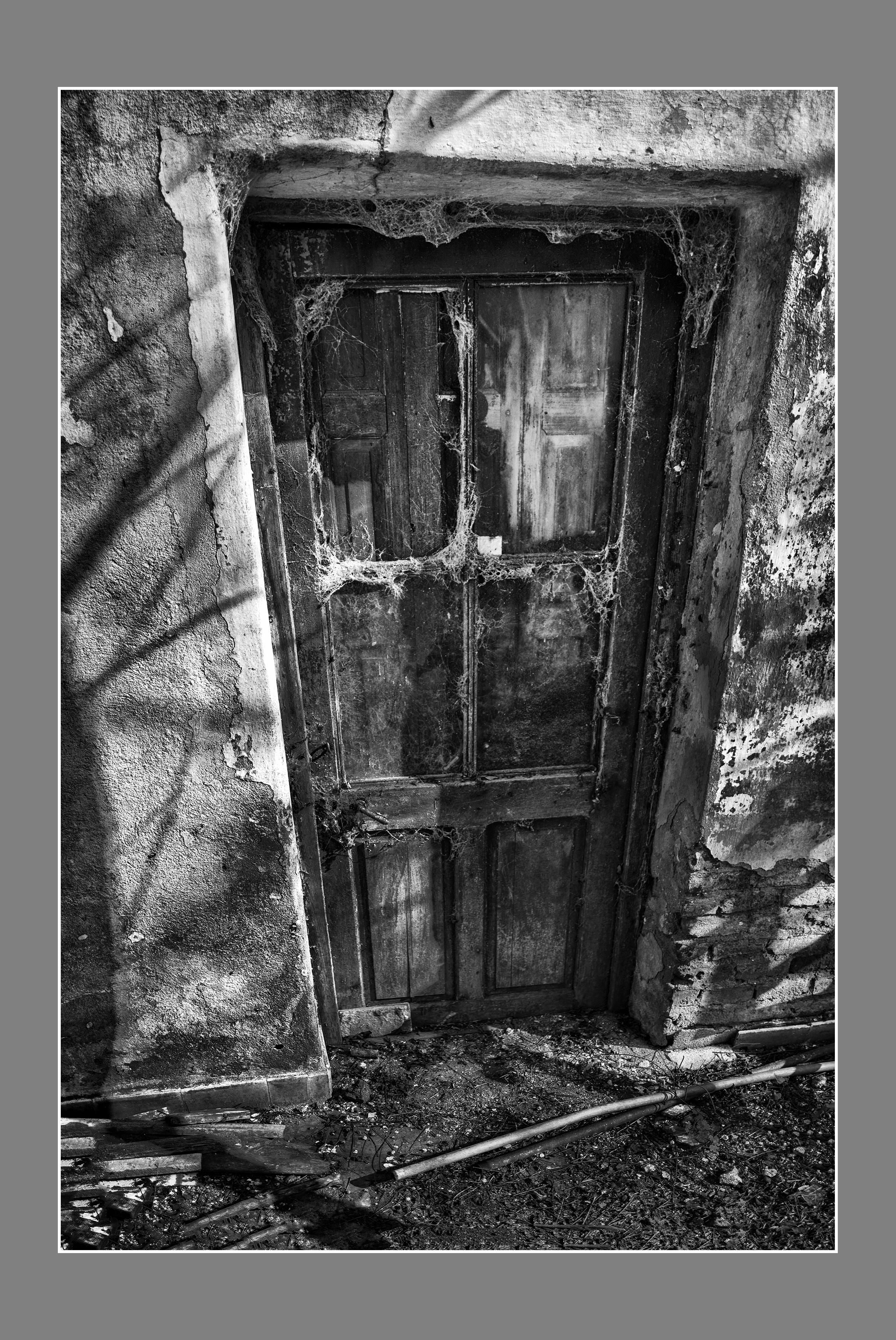 La puerta de la tapera