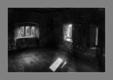Luces del Interior del castillo de Cardiff, Gales