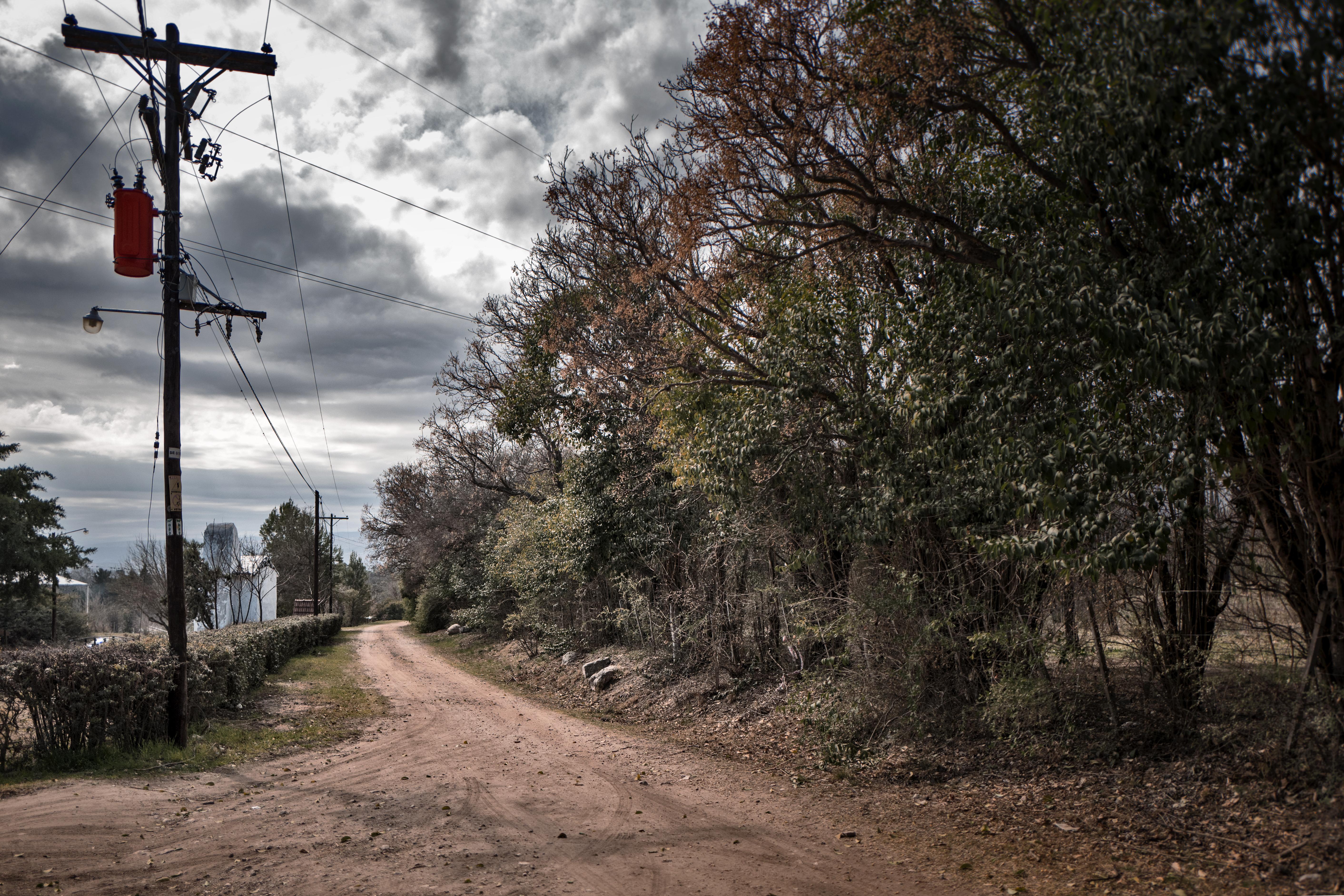 Camino interno de Las Rabonas. Las Rabonas, Valle de Traslasierra, Córdoba, Argentina. Agosto 2017