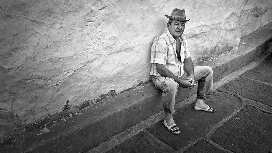 ¿Qué mirás tío ?. Retrato urbano, Barichara, Santander, Colombia. Octubre 2017