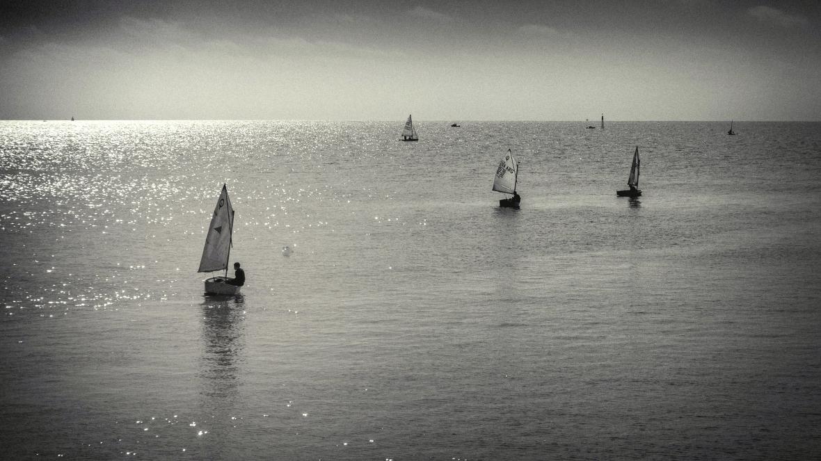 Empezando a navegar, Río de la Plata, Puerto de Olivos. Categoría Optimist.