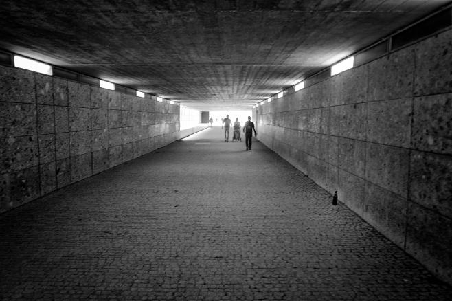 El túnel al jardín inglés, Munich, Alemania. Abril 2018